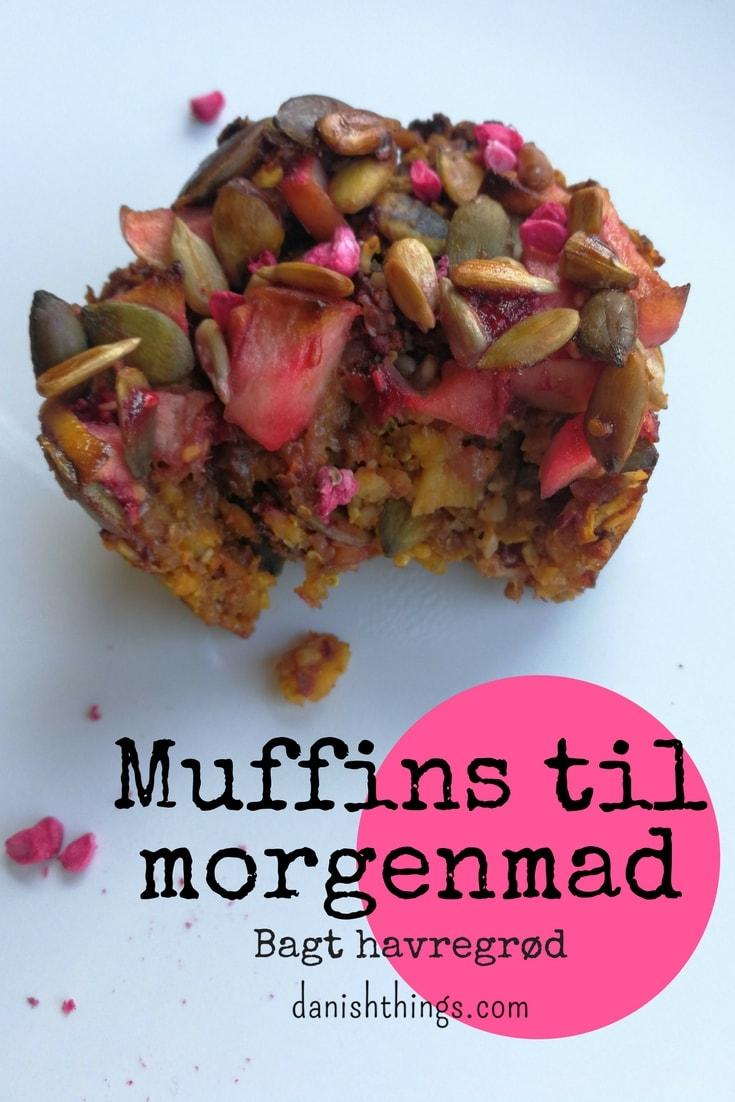 """Muffins til morgenmad - Morgenmadsmuffins - Bagt havregrød. Nem """"tag med"""" morgenmad, mellemmåltid, eftermiddagssnack eller som en sundere kage til kaffen. Find opskrifter, inspiration og print til både hverdag og fest på danishthings.com"""