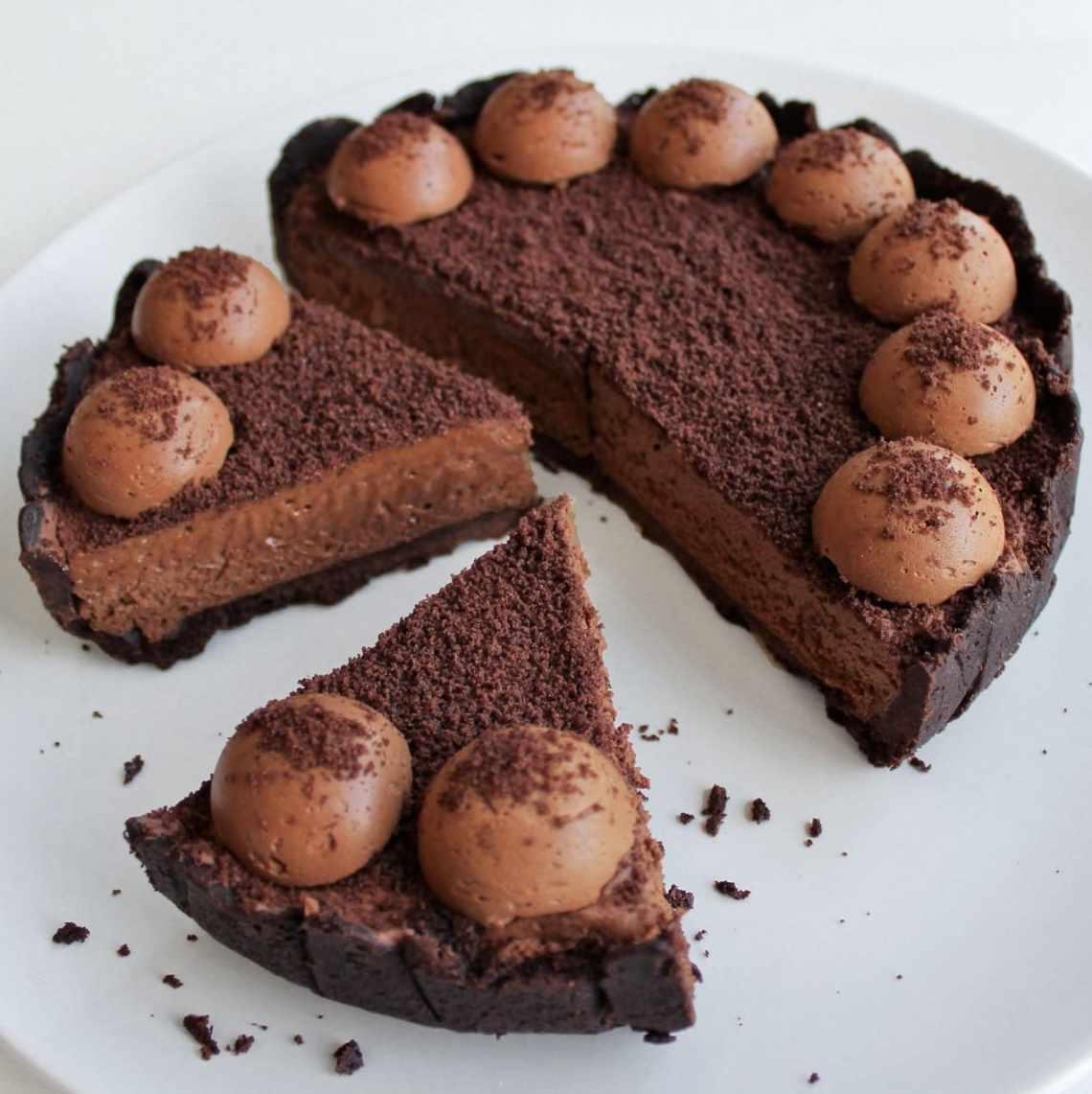Super nem hjemmelavet Oreo tærte med chokolademousse - find opskrifter og inspiration til årets gang på danishthings.com