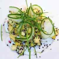 Ceviche - lime og æble marineret torsk med mango og agurke-crudité