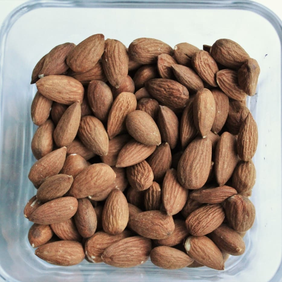 Bagte mandler - baked almonds find the recipe in English eller på dansk @ danishthings.com