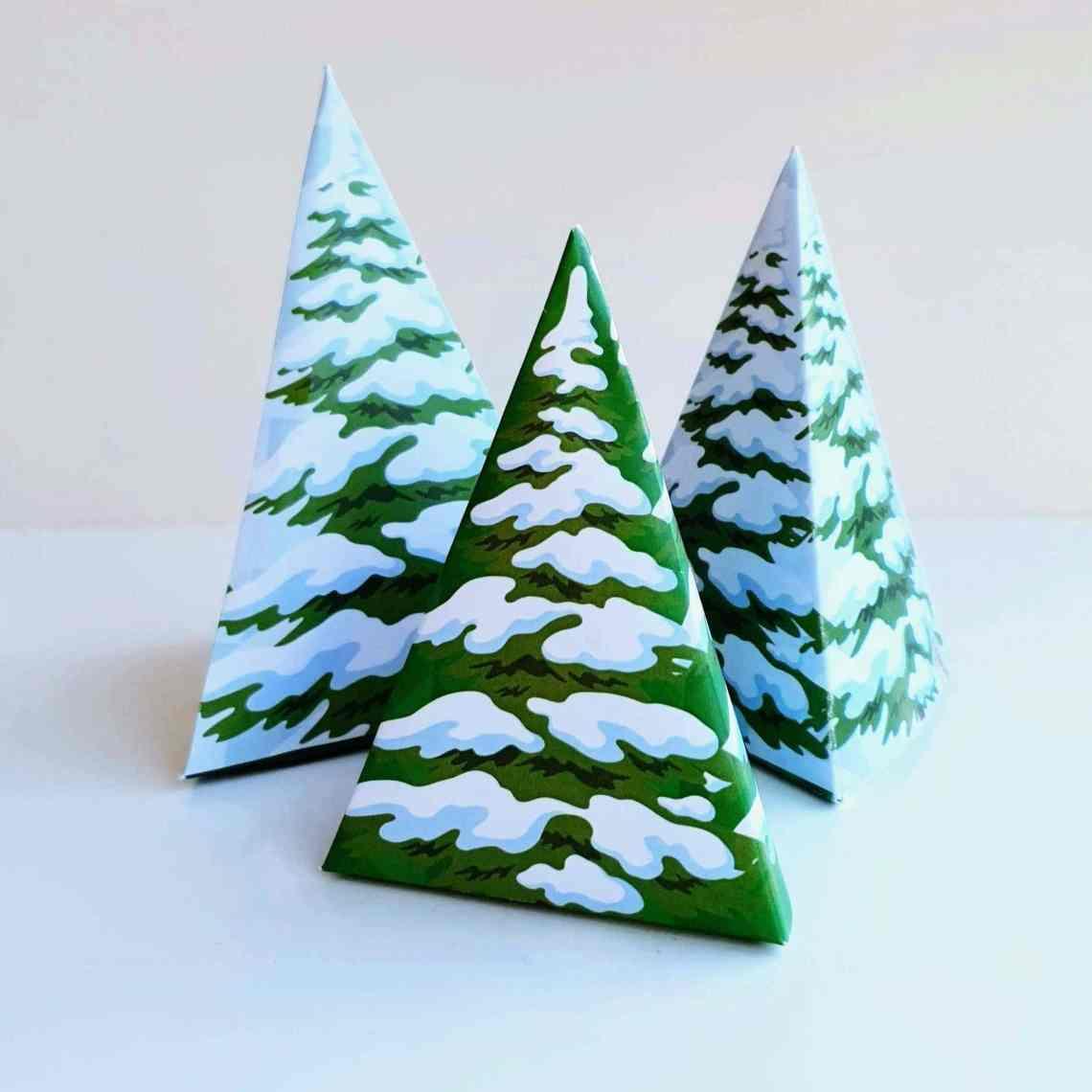 Juletræer - som gaveæsker eller dekoration. Gaveæsker til jul, fødselsdag og andre festlige lejligheder. Giv gaven til den du holder af, i en hjemmelavet gaveæske. Gratis print, opskrifter og inspiration til årets gang på danishthings.com.