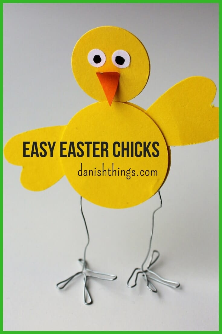 Easy Easter decorations. Super easy Easter chicks that you can make with kids. Make Easter decorations with your children. Find it @ danishthings.com  #easter #easterchicks #easterchickens #eastercrafts #paper #paperchickens