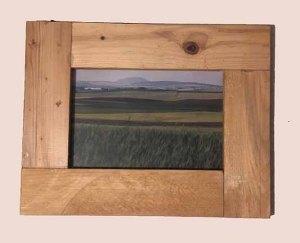 תמונה עם מסגרת עץ למכירה במבצע 1535s