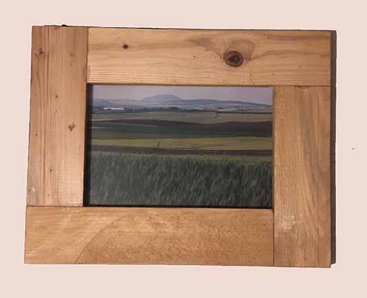 """תמונה עם מסגרת עץ מק""""ט: 1535"""