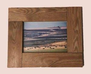 תמונה עם מסגרת עץ למכירה במבצע 1532s