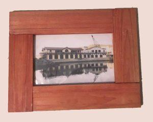 תמונה עם מסגרת עץ למכירה במבצע 1534s