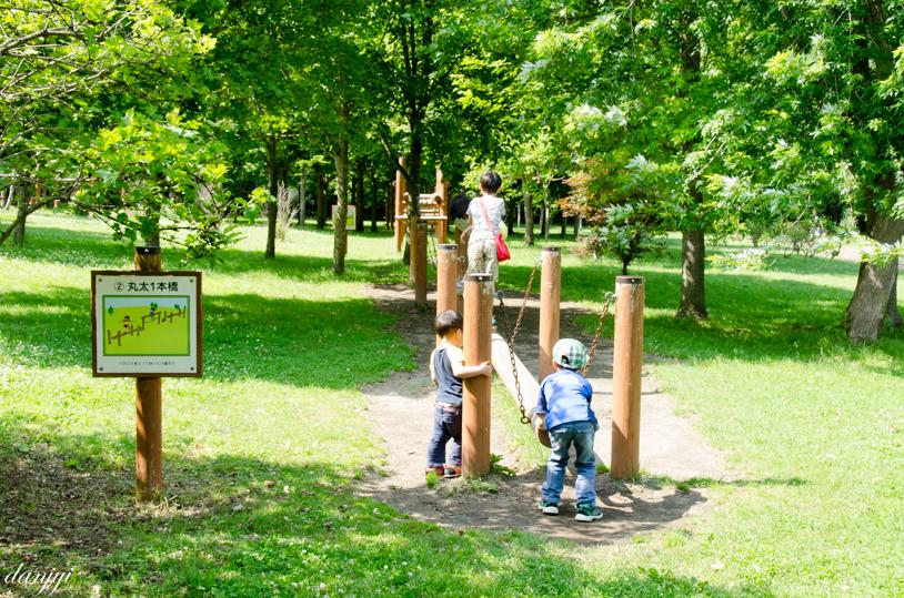 安平の鹿公園キャンプ場のアスレチック15