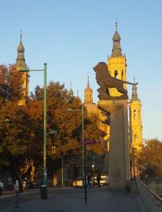 Zaragoza lion statue