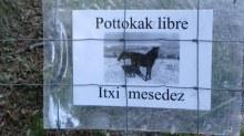 Example of Basque language - horses free be careful, or something like that