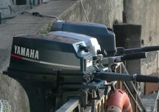 People leave their outboards unlocked - you'd never see this in the US