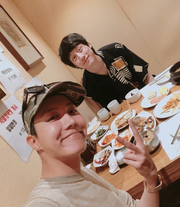 BTSのJ-HOPEと食事をする坂口健太郎