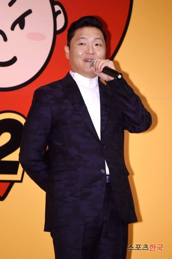 「江南スタイル」で人気を博した歌手PSY(サイ)