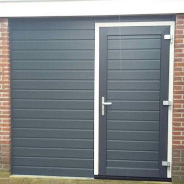 Garagedeur ombouw | Kunststof deur en bekleding
