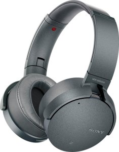Sony Wireless Noise Cancelling headphones