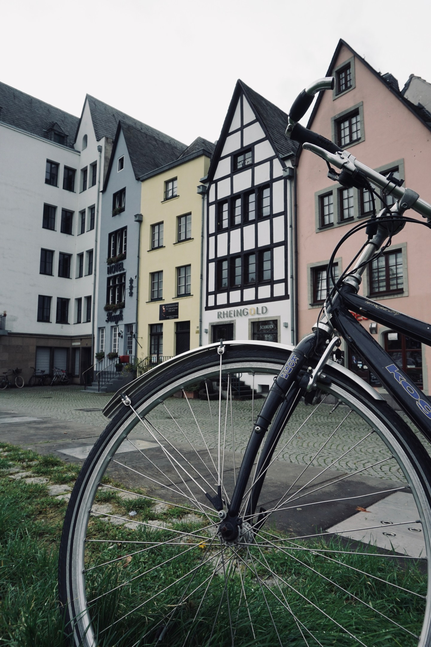 Bike in front of houses in the Old Town - Cologne