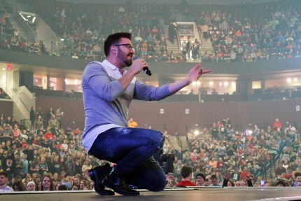 Danny Gokey - Michael Andre Photo (430x287)