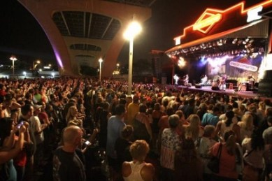The crowd at Summerfest for Danny Gokey