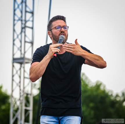 Danny Gokey performing at Atlanta Fest 2016