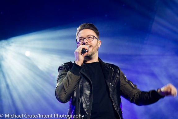 Danny Gokey performs at Winter Jam