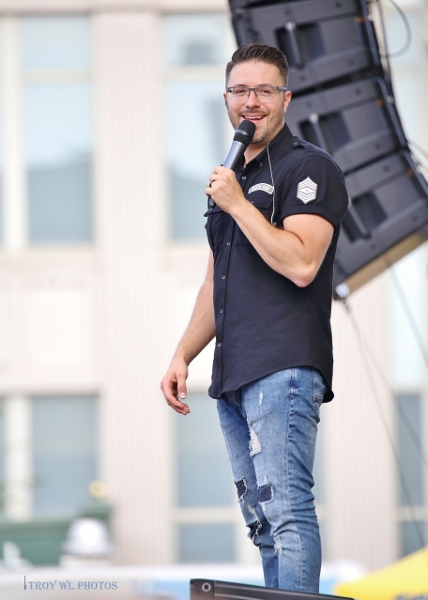 Danny Gokey performs for Thrivent concert - photo by TroyWL
