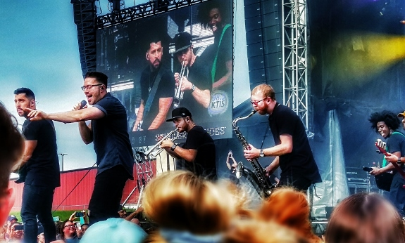 Danny Gokey Band performing at Joyful Noise Festival