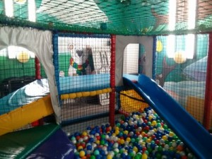 The small play area in Chelmsford's Jungle Gym aka Kool Kidz.  From a review by DannyUK.com