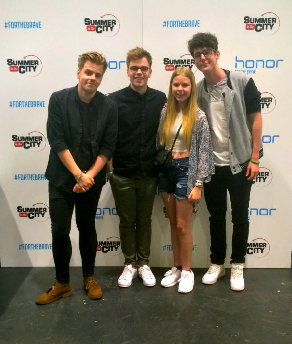 Charisma meets Niki and Sammy (and Chai) #SitC2015