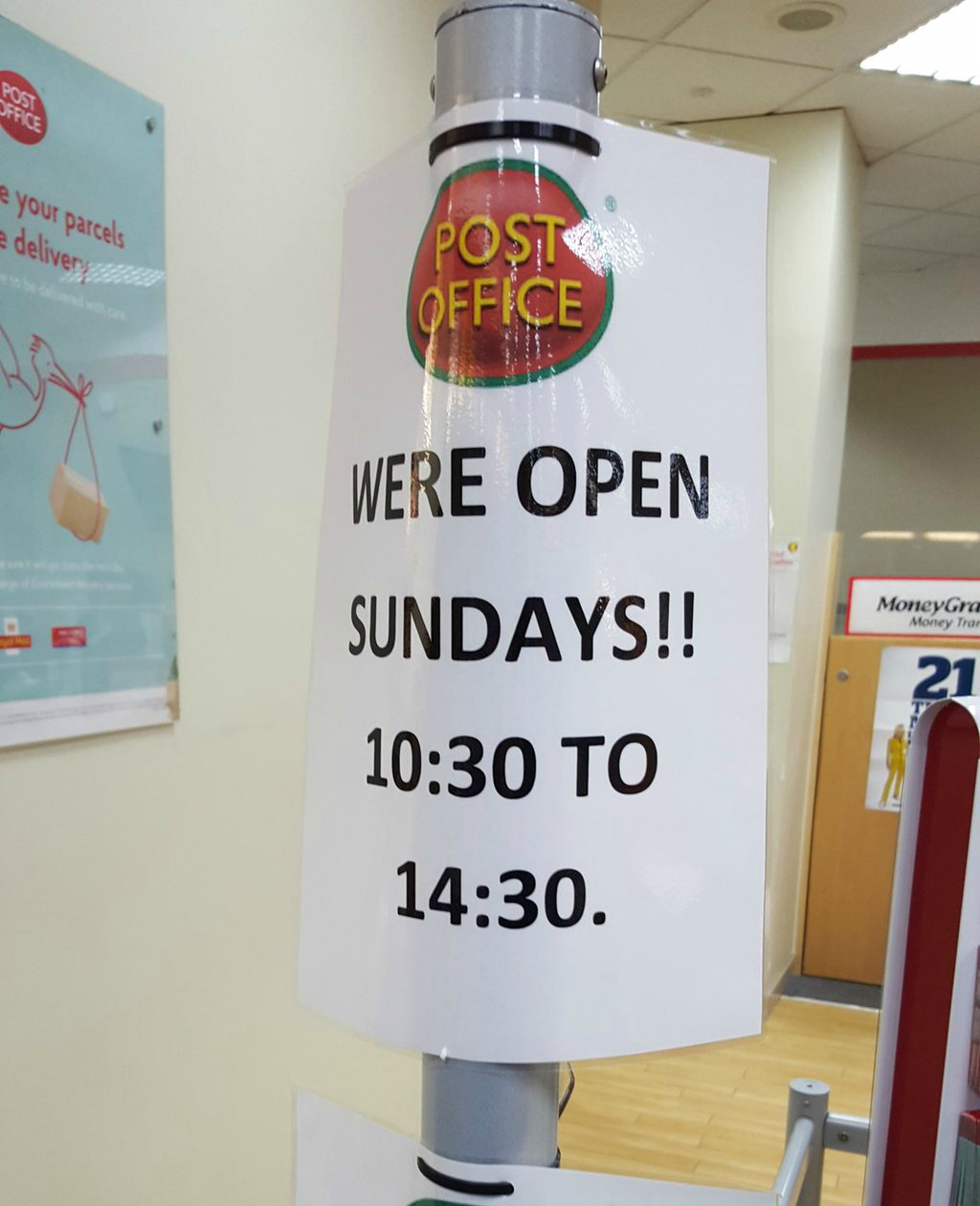 Chelmsford Post Office opening sign. Taken from a DannyUK.com article