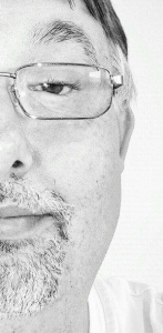 Dan Riis halvt portræt