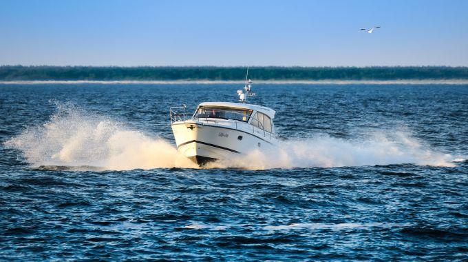 Hænderne På Rattet – Nye Regler For Speedbåde