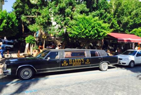 Ev restaurant limousine