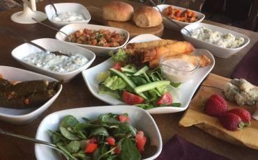 tyrkiske mezer, tyrkisk forret, tyrkisk mad, tyrkiske opskrifter, tyrkisk tapa, haydari, lavasbrød, ezme, tzatziki, alanya blog, alanya blogger, dansk blogger tyrkiet, tyrkiet blog, tyrkiet blogger, alanya, tyrkiet, dansk i tyrkiet, sigara börek