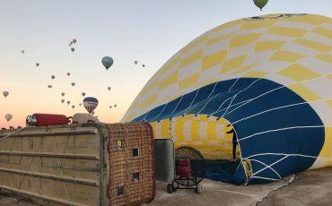 en magisk ballontur over kappadokien, ballontur i kappadokien, varmluftballon i kappadokien, oplevelser i kappadokien, seværdigheder i kappadokien, flyve i luftballon, oplevelser i cappadocia, alanya blog, alanya blogger, tyrkiet blog, tyrkiet blogge, rejseblogger, dansk rejseblog, udenlandsdansker blog, dansk i tyrkiet, hverdagen i tyrkiet,
