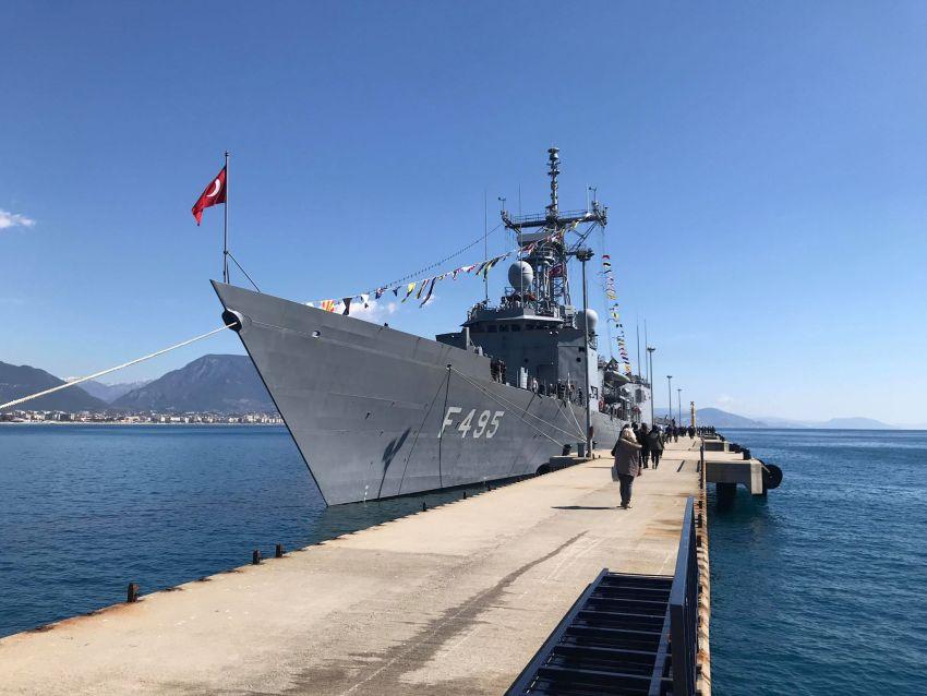 tyrkiske krigsskib i alanya, tyrkisk krigsskib, tyrkiske flåde, oplevelser i alanya, alanya blog, alanya blogger, dansk i tyrkiet