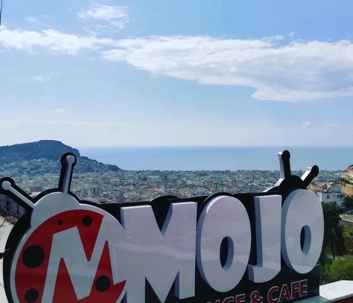 Tyrkisk morgenmad på Mojo i Alanya