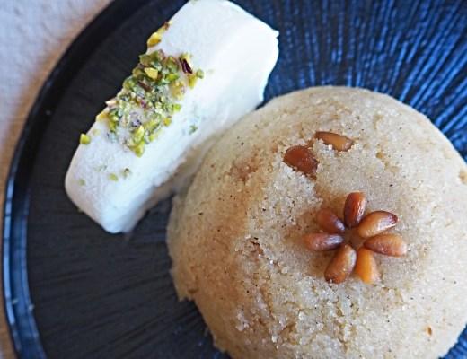 Tyrkisk semulje dessert, irmik helvas nem tyrkisk dessert med semulje, nemme tyrkiske desserter, tyrkisk dessert med is, nemme tyrkiske opskrifter, tyrkisk dessert med pinjekerner, hvad er semulje, det tyrkiske køkken, tyrkiske retter, alanya madblogger, tyrkiet madblogger, udlandsdansker i tyrkiet, dansk i tyrkiet, dansker bosat i tyrkiet, udlandsdansker blog opskrifter, tyrkisk blog opskrifter, tyrkiske madopskrifter