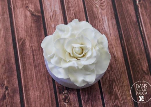 Roses pâte à sucre