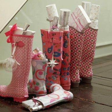 deco-original-avec-des-bottes-pleins-des-cadeaux