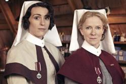 suranne-jones-and-hermione-norris-in-the-crimson-field-136389032614410401-140404164356
