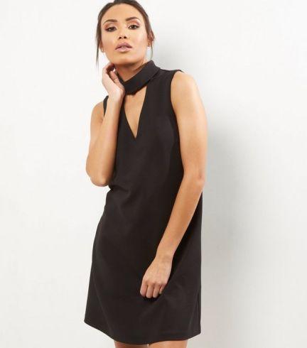 robe-tunique-noire-sans-manches-a-col-ras-du-cou