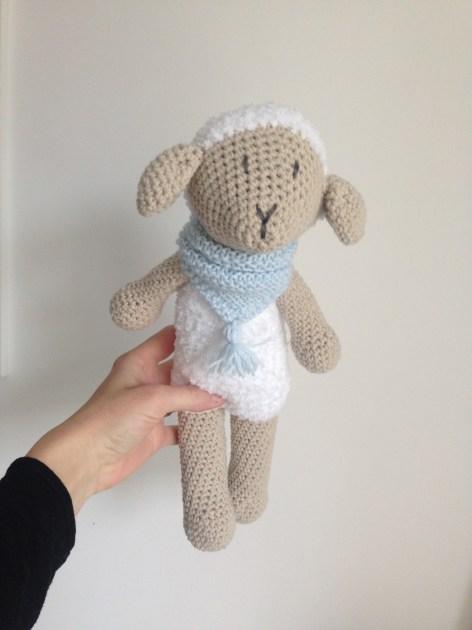 Frimousse le Mouton - Doudou en crochet