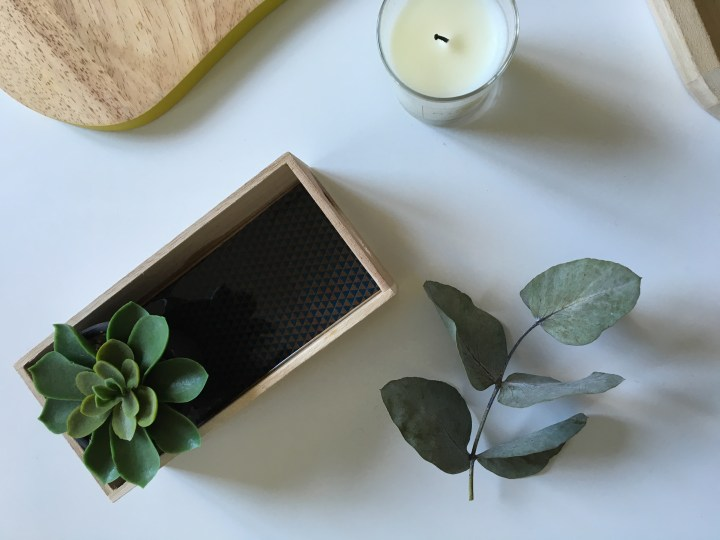 Tuto : J'ai testé la résine en customisant une boîte en bois
