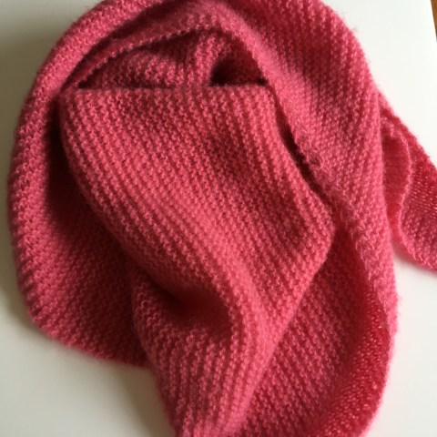 Tuto tricot : un cosy trendy ou un châle qui monte vite !