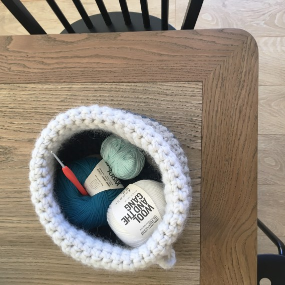 Tuto : Crocheter une corbeille en grosse laine ou laine mèche