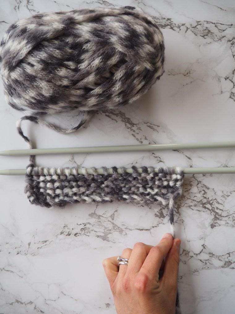 Ma première leçon de tricot - Le point mousse (monter des mailles, faire une maille endroit, rabattre)