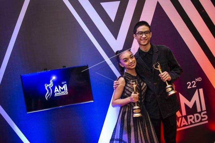 Naura dan Devano DUO/GRUP/GRUP VOKAL/KOLABORASI ANAK ANAK TERBAIK AMI AWARDS 2019