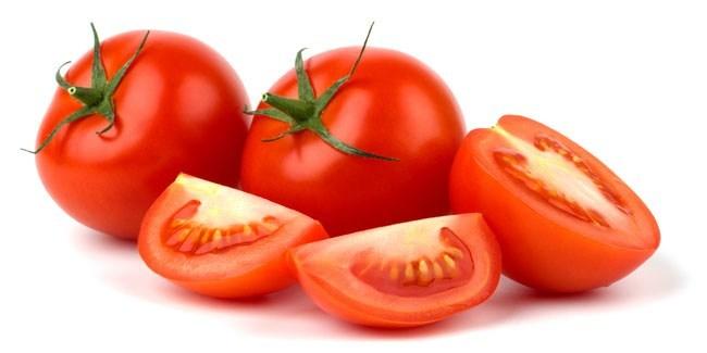 menggunakan tomat untuk menghilangkan komedo