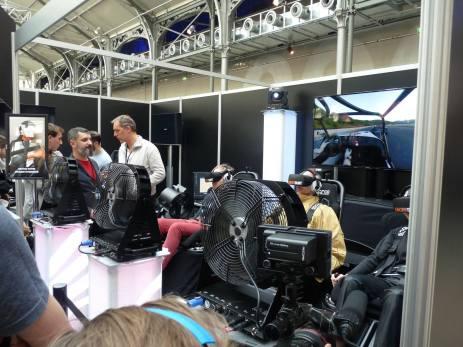 Caterham Drive XP ameait le joueur à bord d'une petite voiture de course avec de gros ventilateurs pour plus de sensations !