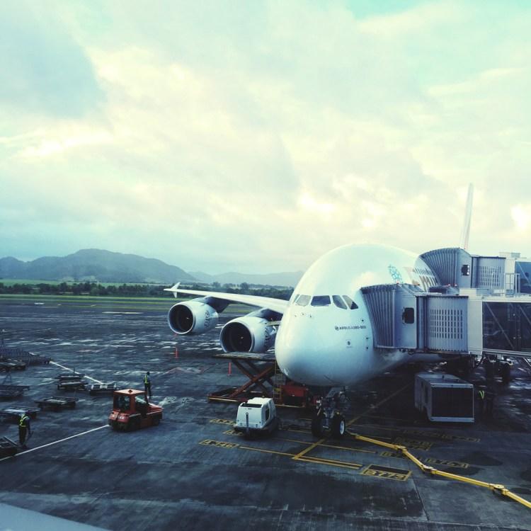 Voyager avec Emirates avion A380 au dessus des nuages avis compagnie aérienne blog avion Ile Maurice aéroport
