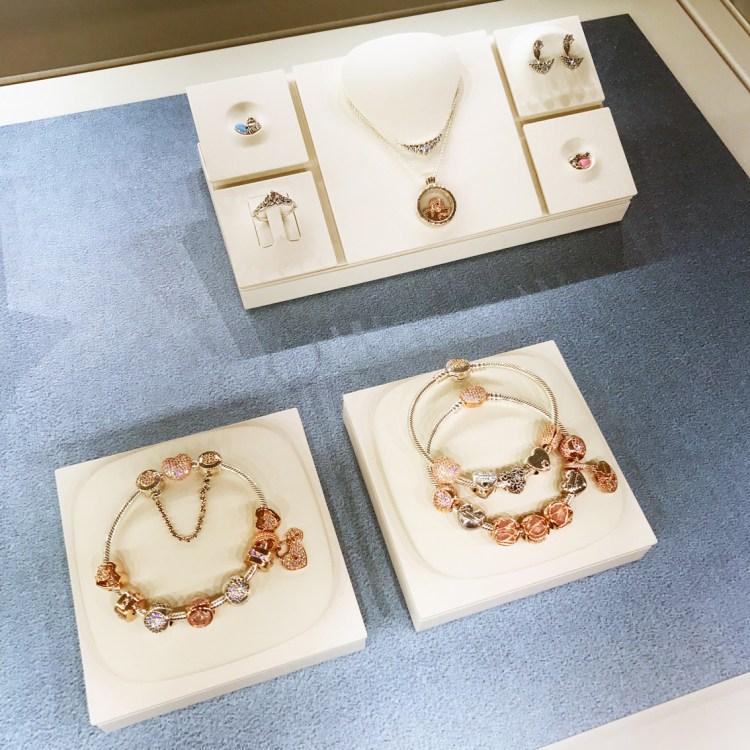 Bagues bracelets et charms les nouveautés Pandora pour les fêtes de fin d'année avis blog
